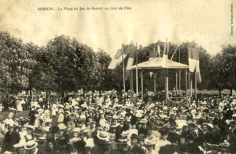 Hirson (Aisne) CPA un jour de fête