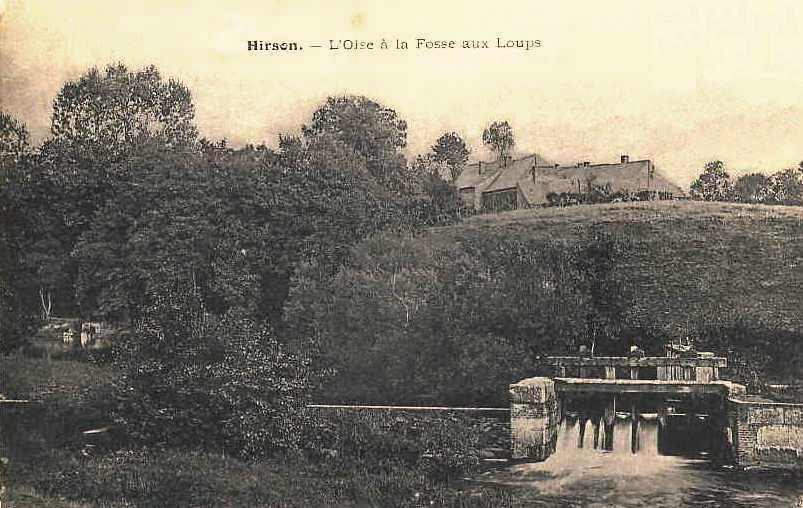 Hirson (Aisne) CPA l'Oise à la fosse aux loups