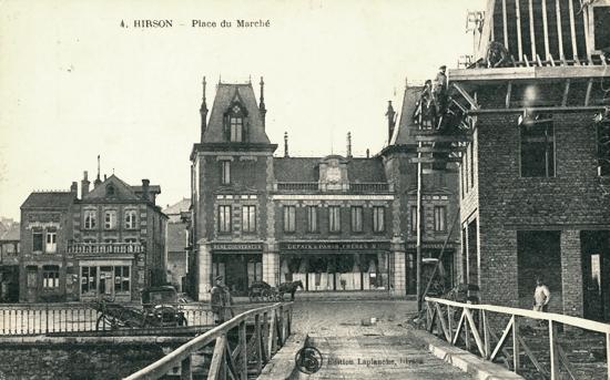 Hirson (Aisne) CPA la place du marché