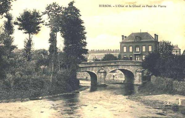 Hirson (Aisne) CPA le pont de pierre