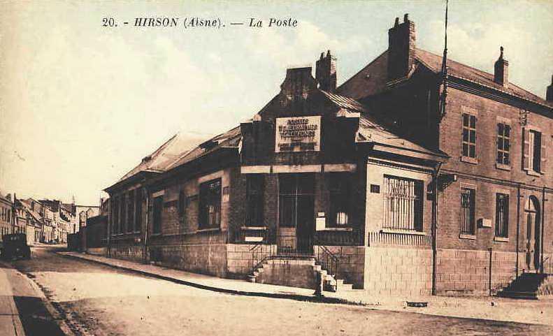 Hirson (Aisne) CPA le bureau de Poste