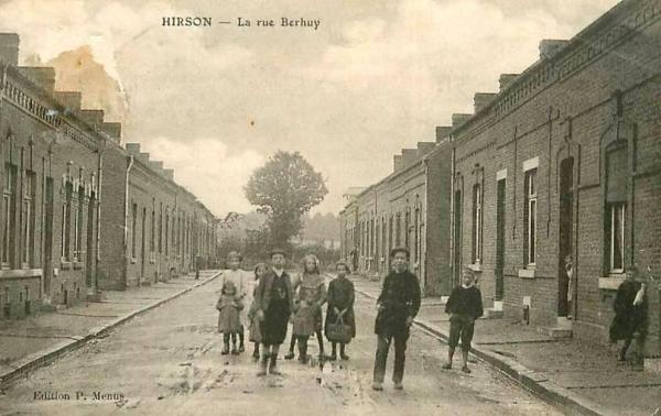 Hirson (Aisne) CPA la rue Berhui