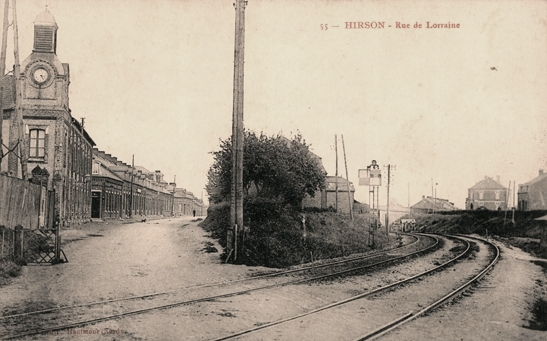 Hirson (Aisne) CPA la rue de Lorraine