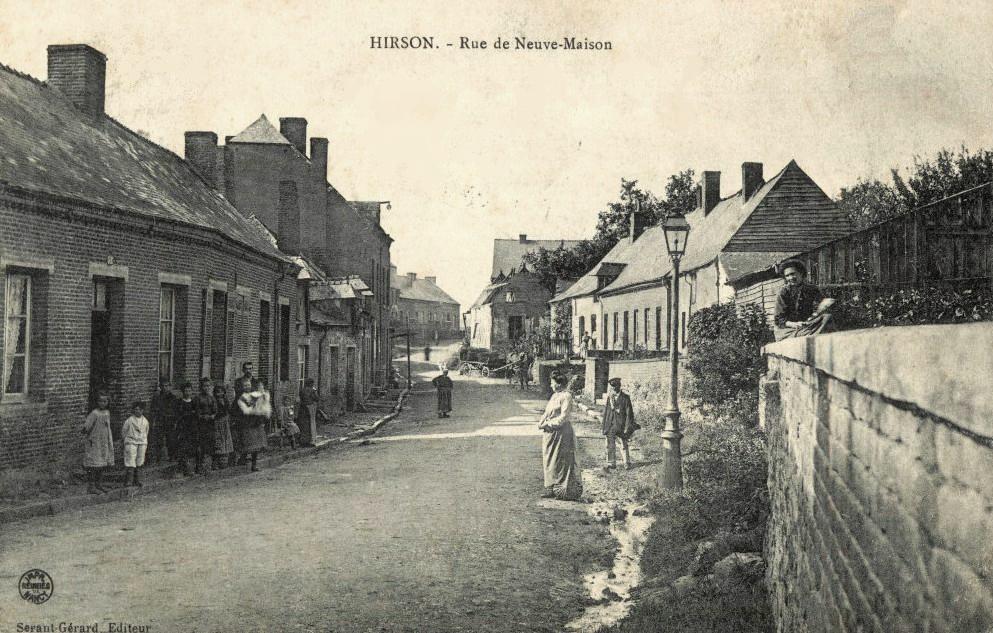 Hirson (Aisne) CPA la rue de Neuve-Maison en 1908