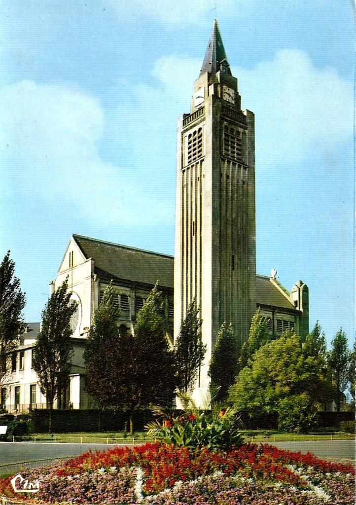 Hirson (Aisne) L'église Sainte-Thérèse-de-l'enfant-Jésus