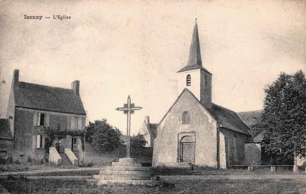 Isenay (Nièvre) L'église Sainte-Marie-Madeleine CPA
