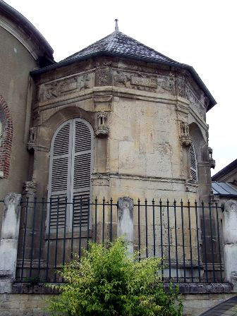 Joigny (89) La chapelle des Ferrand