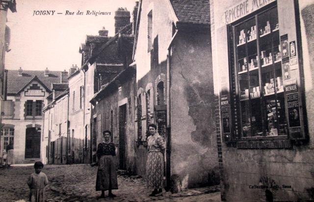 Joigny (89) La rue des Religieuses CPA