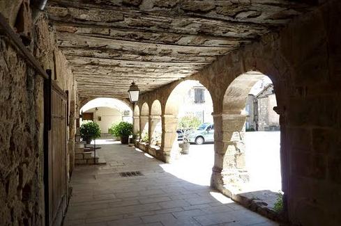 Joncels (Hérault) Le clôitre