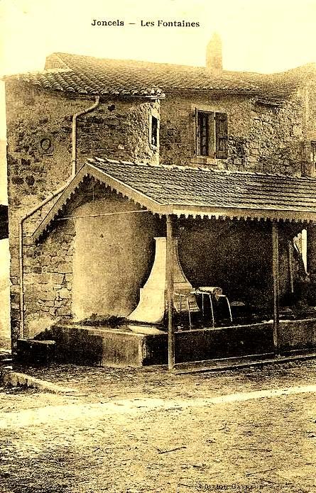 Joncels (Hérault) Les fontaines CPA
