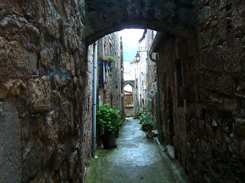 Joncels (Hérault) Une ruelle