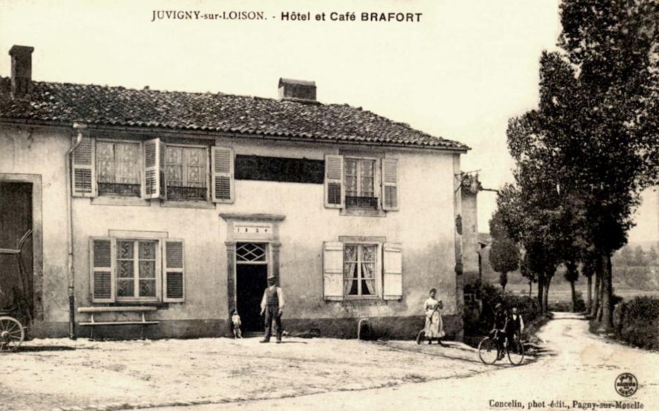 Juvigny-sur-Loison (Meuse) L'hôtel-café CPA