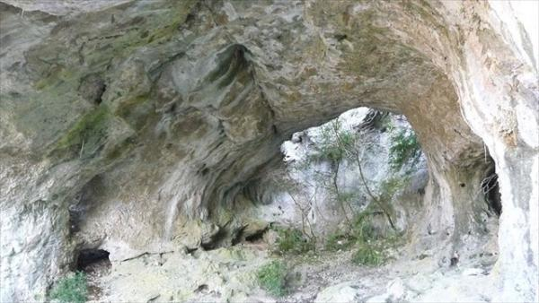La Bastide-Pradines (Aveyron) La grotte des Maquisards