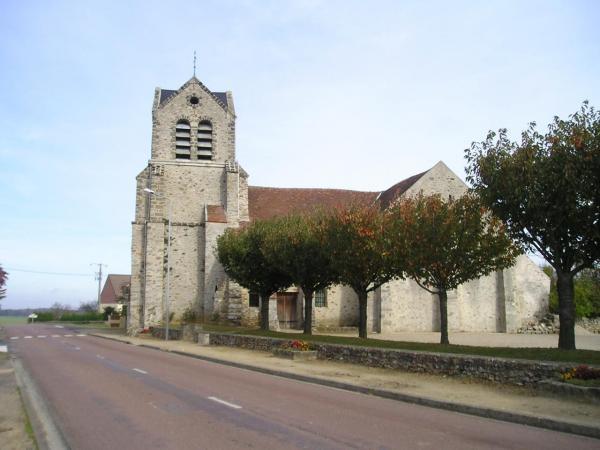 La Chapelle-sur-Chézy (Aisne) Eglise Saint-Barthelémy en 2004