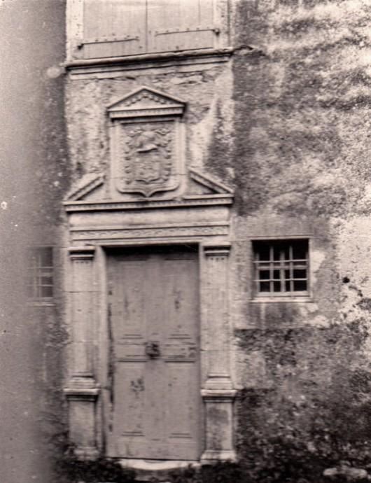 La Couvertoirade (Aveyron) CPA La porte de l'Hôtel de Grailhe