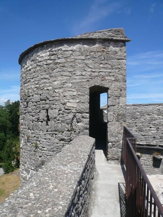 La Couvertoirade (Aveyron) Le chemin de ronde