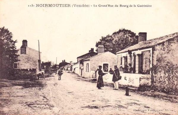 La Guérinière (Vendée) Grande rue CPA