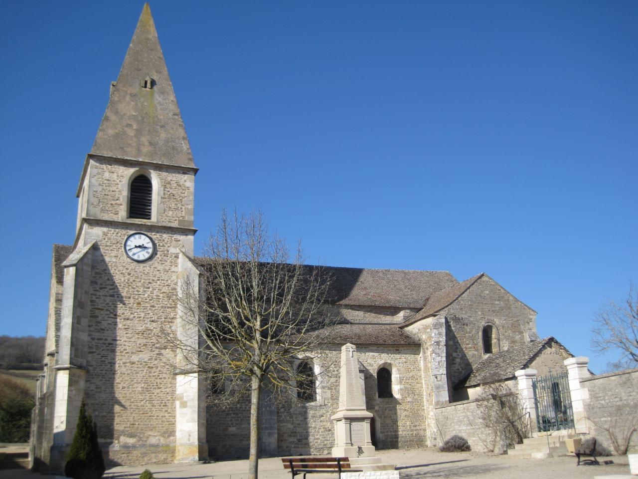 La Rochepot (Côte d'Or) L'église Notre-Dame de la Nativité