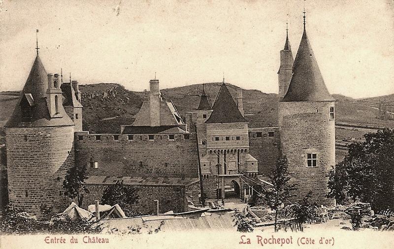 La Rochepot (Côte d'Or) Le château, entrée CPA