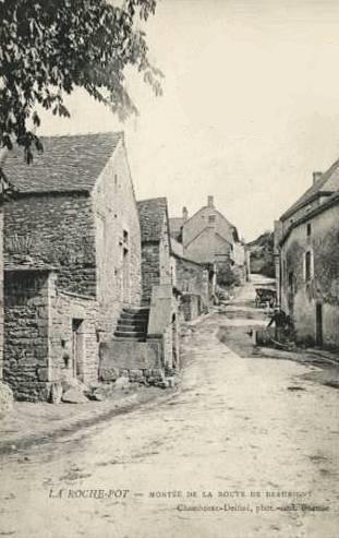 La Rochepot (Côte d'Or) Le village CPA