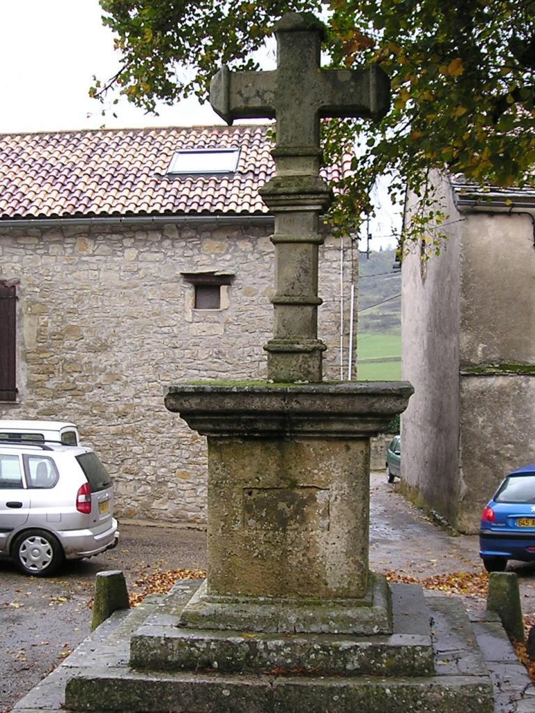 Le Clapier (Aveyron) Croix
