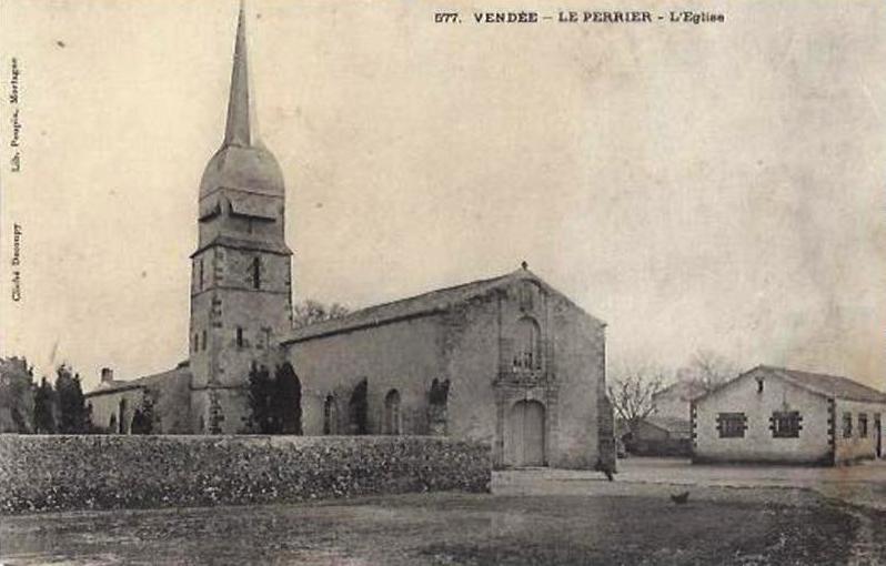 Le Perrier (Vendée) L'église Saint-Sauveur CPA