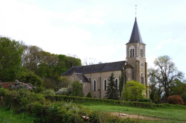Limanton (Nièvre) L'église Saint-Laurent