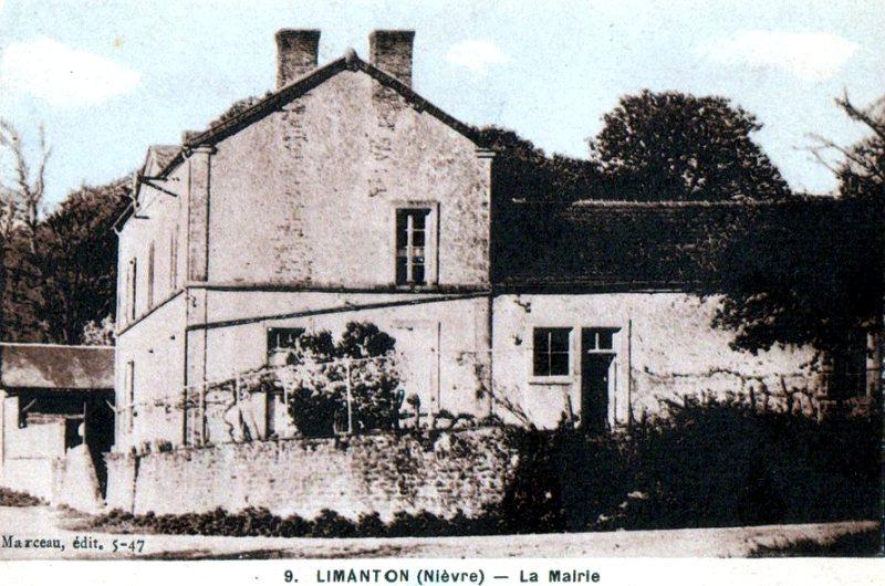 Limanton (Nièvre) La mairie CPA