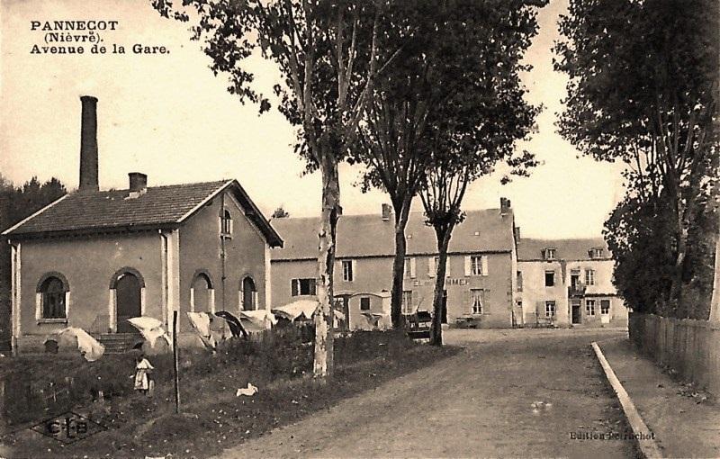 Limanton (Nièvre) Panneçot, l'avenue de la Gare CPA