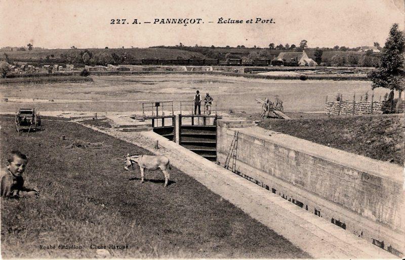 Limanton (Nièvre) Panneçot, l'écluse et le port CPA