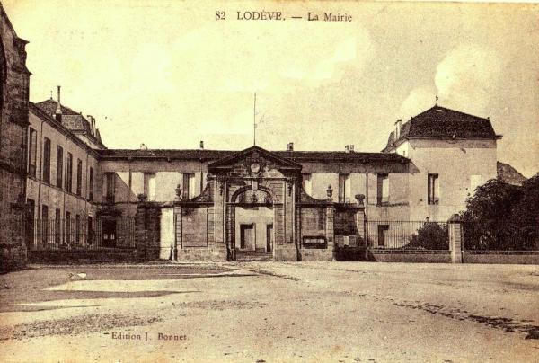 Lodève (Hérault) L'Hôtel de Ville CPA