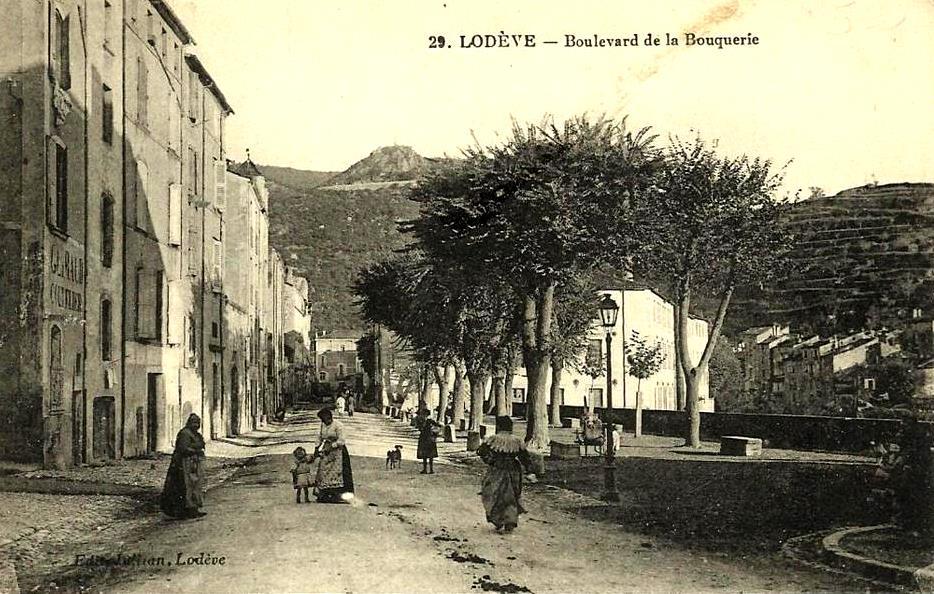 Lodève (Hérault) Le Bld de la Bouquerie CPA