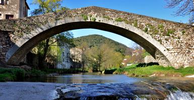 Lodève (Hérault) Le pont de Montifort