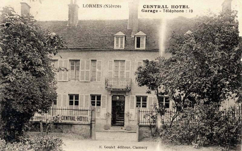 Lormes (Nièvre) L'hôtel Central CPA