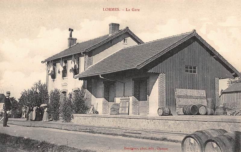 Lormes (Nièvre) La gare CPA