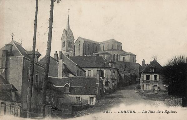 Lormes (Nièvre) La rue de l'église CPA