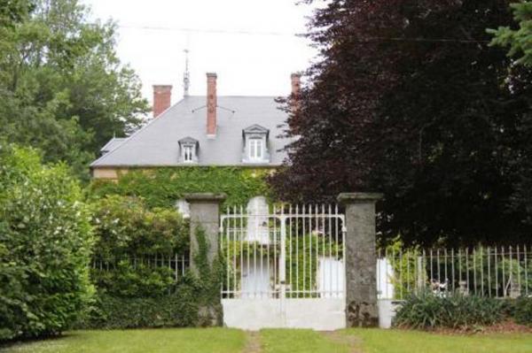 Lormes (Nièvre) Le château de Granpré