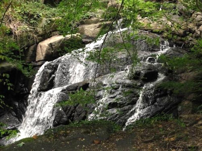 Lormes (Nièvre) Les Gorges de Narvau