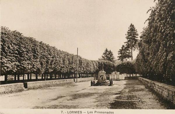 Lormes (Nièvre) Les Promenades CPA