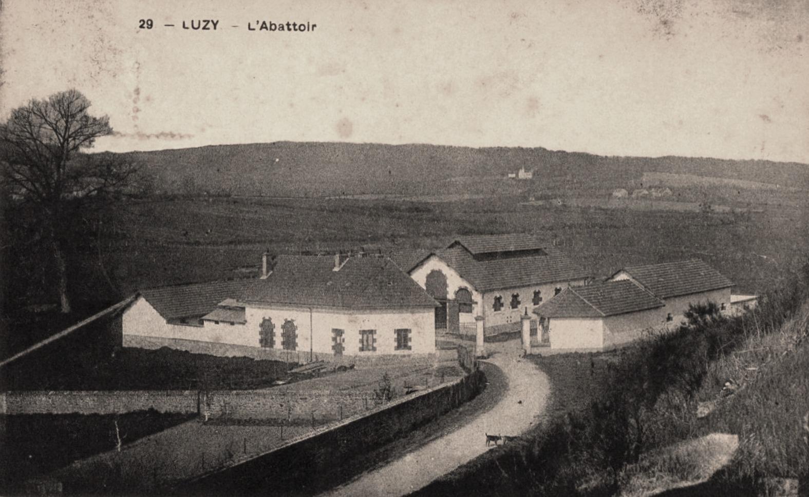 Luzy (Nièvre) L'abattoir CPA