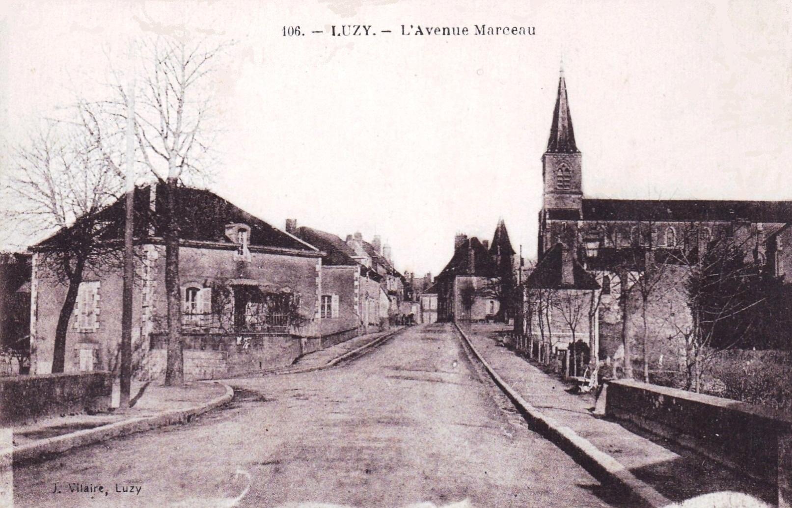Luzy (Nièvre) L'avenue Marceau CPA