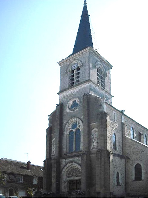 Luzy (Nièvre) L'église Saint-Pierre