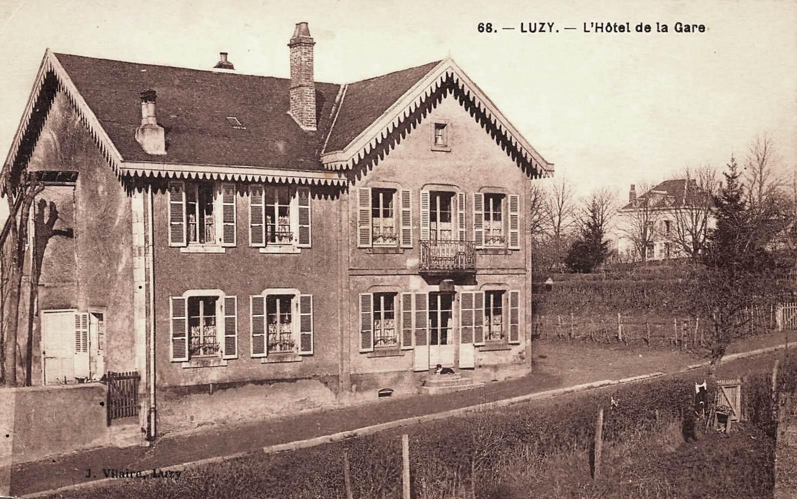 Luzy (Nièvre) L'Hôtel de la Gare CPA