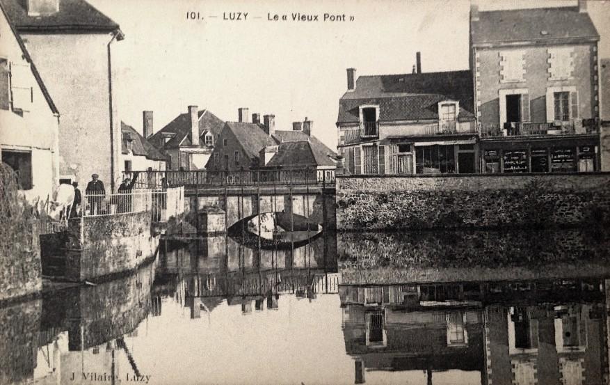 Luzy (Nièvre) Le vieux pont CPA