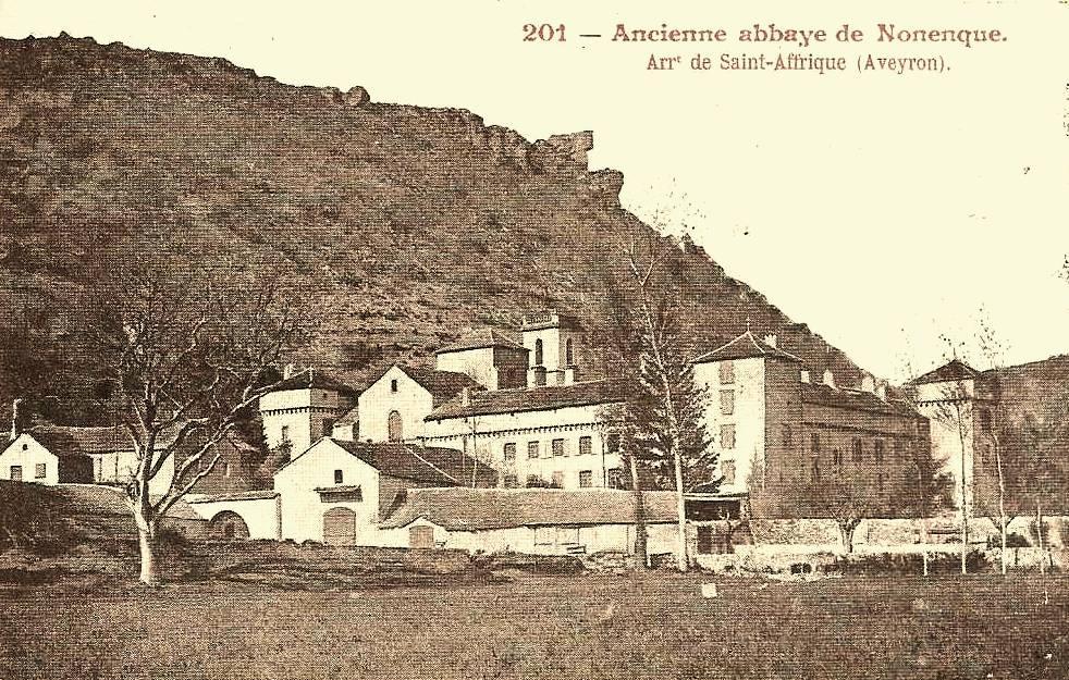 Marnhagues-et-Latour (Aveyron) CPA Nonenque,abbaye