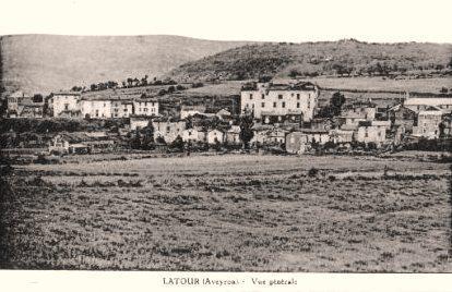 Marnhagues-et-Latour (Aveyron) CPA Vue générale