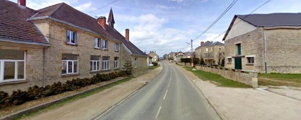 Martincourt-sur-Meuse (Meuse) La Grande rue