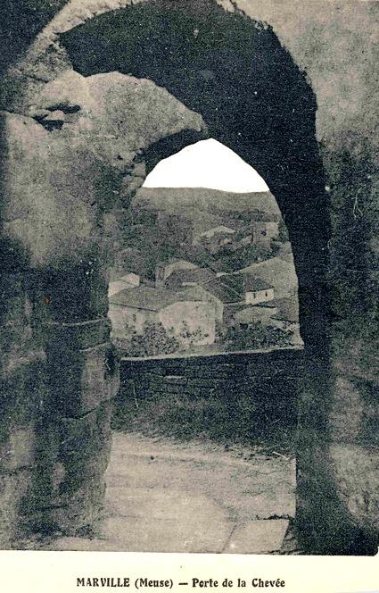 Marville (Meuse) L'entrée de la Chevée CPA