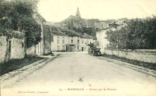 Marville (Meuse) L'entrée par la poterne CPA