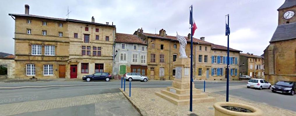 Marville (Meuse) La place de l'église